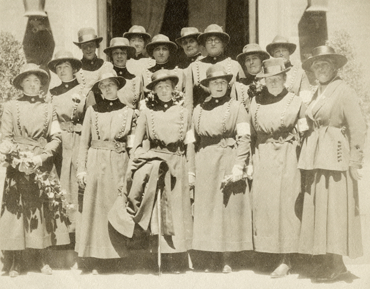 Photo of Anna Maxwell with Base Hospital No. 2 Nurses in France, 1918.
